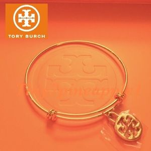 🛍🎉NWOT AUTH. TORY BURCH GOLD LOGO CHARM W/BANGLE
